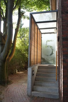 Entrance Design, Main Entrance, Sas Entree, Staircase Outdoor, Glass Porch, Casa Loft, House Extension Design, Porch Doors, Rooftop Restaurant