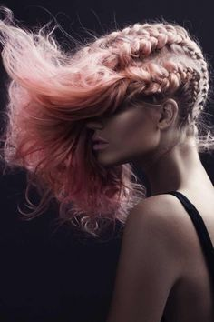 Hair/Coiffure: Kriste Kesic Makeup/Maquillage: Megan Braunberger Photos: Elizabeth Grinter {igallery id=3301|cid=1464|pid=1|type=category|children=0|addlinks=0|tags=|limit=0} This technicolour dream of a collection radiates opulence and a sophisticated feminine charm....
