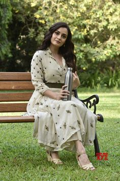 Mumbai: Dia Mirza during World Environment Day celebration - Social News XYZ Photos: during celebration Casual Dresses For Women, Trendy Outfits, Summer Outfits, Clothes For Women, Bollywood Fashion, Bollywood Actress, Bollywood Saree, Celebrity Red Carpet, Celebrity Style