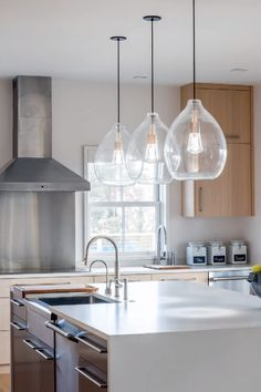 Track &Rail Pendants from Tech Lighting Pendant lighting is the perfect way to add flavor to your kitchen island area. These beautiful pendant lights from Tech Lighting are a designer favori. Kitchen Island Lighting, Kitchen Pendant Lighting, Kitchen Pendants, Kitchen Islands, Island Lighting Fixtures, Lights For Kitchen, Hanging Kitchen Lights, Kitchen Lights Over Island, Peninsula Lighting