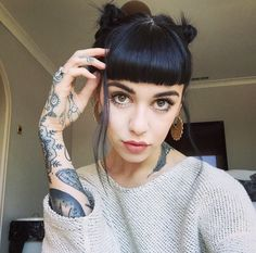 Find images and videos about tattoo, black hair and hannah snowdon on We Heart It - the app to get lost in what you love. Ombré Hair, New Hair, Hair Inspo, Hair Inspiration, Tattoo Inspiration, Hannah Pixie Snowdon, Color Del Pelo, Short Bangs, Straight Bangs