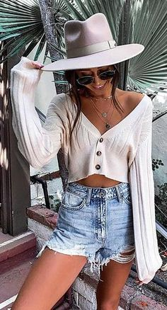The mid-week selection of summer outfits to wear everyday. Enjoy the summer break with outfit ideas curated just for you. Trendy Summer Outfits, Spring Outfits, Cool Outfits, Fashion Outfits, Womens Fashion, Fashion Trends, Summer Clothes, Summer Outfits For Vacation, Hot Mom Outfits