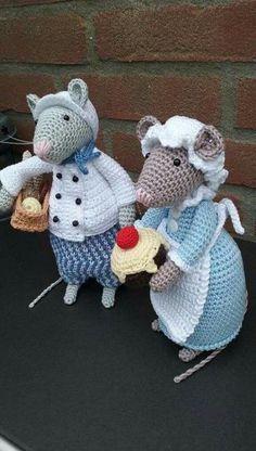 Crochet Toys Animals African Flowers Trendy Id Crochet Mouse, Crochet Patterns Amigurumi, Cute Crochet, Crochet Dolls, Easy Crochet Patterns, Knitting Patterns, Art Minecraft, African Flowers, Crochet Animals