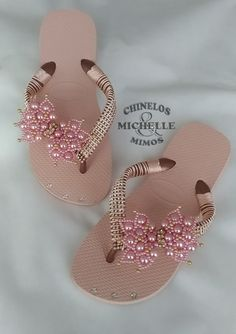 Plaster Crafts, Bling Shoes, Boutique Hair Bows, Craft Fairs, Cool Style, Beading, Mario, Flip Flops, Bob