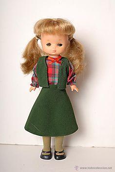 Muñeca Lesly con coletas hermanita de Nancy de Famosa