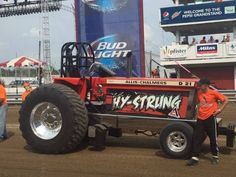 Pulling tractor Truck And Tractor Pull, Tractor Pulling, Antique Tractors, Old Tractors, Logging Equipment, Heavy Equipment, Truck Pulls, Allis Chalmers Tractors, Man Games