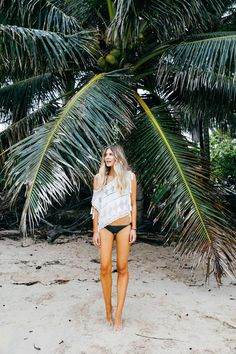 Billabong is a lifestyle & Technical apparel brand committed to the leading edge of Surf culture & Beach Fashion. Miss You Girl, Elle Ferguson, Surf Outfit, Swimwear Brands, Oahu, Billabong, Armoire, Hawaii, Surfing