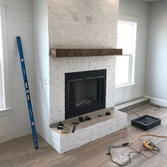 Heavy Duty Steel, easy to mount floating shelf bracket — hidden shelf bracket for long floating shelves HARDWARE ONLY, Made in USA Custom Fireplace Mantels, Home Fireplace, Fireplace Design, Painted Brick Fireplaces, Mantles, Wall Shelf Brackets, Floating Shelf Brackets, Floating Shelves, Floating Mantle