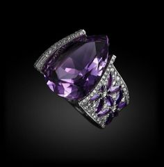 I Love Jewelry Michelle Ong for Carnet - Violette Sparkle: Amethyst and white Diamond ring set in white Gold Purple Rings, Purple Jewelry, Amethyst Jewelry, I Love Jewelry, Fine Jewelry, Ring Set, Love Ring, White Diamond Ring, Diamond Rings