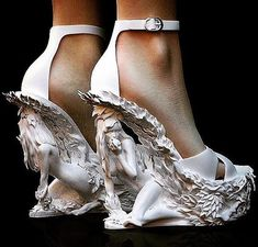 Vintage Shoes Cristina Franceschini experiments with amazing designs printed in nylon (image: Cristina Franceschini design) Women's Shoes, Me Too Shoes, Shoe Boots, Pump Shoes, Shoes Jordans, Fall Shoes, Louboutin Shoes, Converse Shoes, Dress Shoes