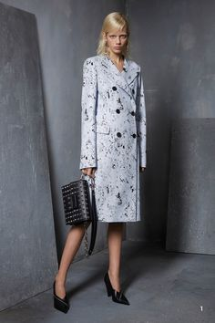 See the complete Michael Kors Collection Pre-Fall 2017 collection.