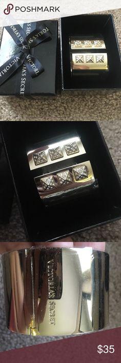 🔴VS cuff bracelet NWT light gold cuff bracelet Victoria's Secret Jewelry Bracelets