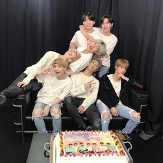 Find images and videos about kpop, bts and jungkook on We Heart It - the app to get lost in what you love. Suga Rap, Bts Bangtan Boy, Bts Jungkook, Seokjin, Kim Namjoon, Billboard Music Awards, Foto Bts, Yoonmin, Jung Hoseok