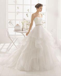 Vous êtes mince ? Voici 40 robes de mariée qui vous iront à merveille en 2016! Image: 31