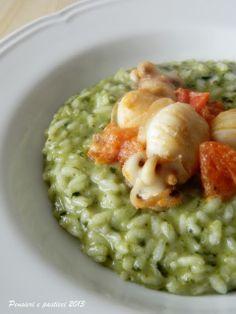 pensieri e pasticci: Risotto agli spinaci con seppioline al pomodoro