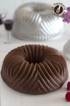 Red Wine, Chocolate and Raspberries Bundt Cake