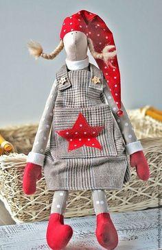Christmas Bags, Handmade Christmas, Christmas Crafts, Tilda Toy, Christmas Feeling, Yarn Bombing, Scandinavian Christmas, Soft Dolls, Doll Crafts