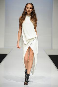 Centre split skirt - Jonathan Liang, KLFW 2014 #travelshopa #runway #fashionweek