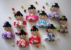 ♥♥♥ E cá estão as novas Gueixanoskas ! by sweetfelt  ideias em feltro, via Flickr