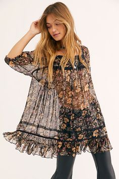 Presented by Free People. The sweetest tunic style top designed in a gorgeous printed, crinkly fabrication featuring an embellished detail at chest in a babydoll-inspired silhouette. Boho Fashion Over 40, Boho Fashion Summer, Over 50 Womens Fashion, Boho Outfits, Fashion Outfits, Fashion Trends, Women's Fashion, Fashion Styles, Fall Outfits