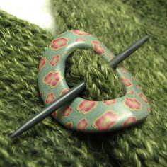 Shawl Pin by Polka Dot Cottage's Lisa Clarke. Want to make also. # shawl pin, polymer clay, idea