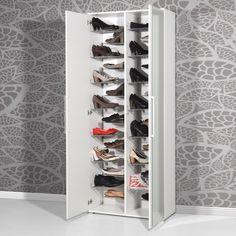 une armoire à chaussures blanche et moderne