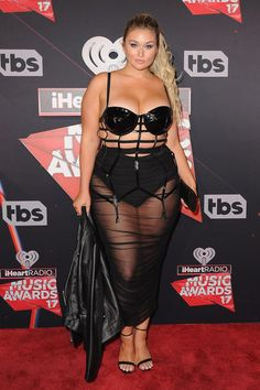 The Most Revealing Red Carpet Looks of 2017 : Hunter McGrady at the iHeartRadio Music Awards Curvy Celebrities, Celebs, Hunter Mcgrady, Chubby Fashion, Sports Illustrated Models, Curvy Models, Beautiful Curves, Plus Size Lingerie, Red Carpet Looks
