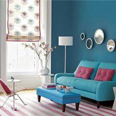 Sala con colores intenso