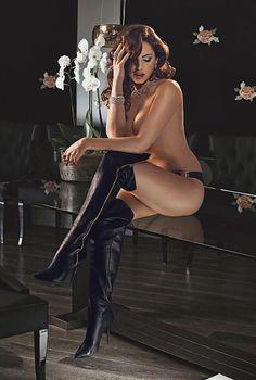 ♡el erotismo,al fin y al cabo es menos perverso que la hipocresia ♡