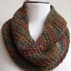 Free pattern for a beautiful Cowl.  Ravelry pattern, fingering weight yarn.  Recommends highly varigated yarn