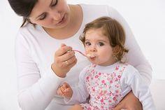 Як відучити дитину від грудного вигодовування? ()