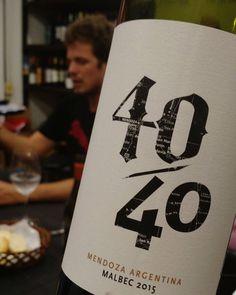 #LucasPfister presentando @vino40cuarenta en @vinoteca.mrwines para @argwinebloggers