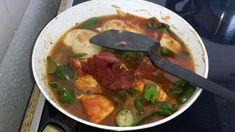 Hähnchen-Paprika Pfanne - Rezept von Kitchengranny Sauerkraut, Harissa, Couscous, Thai Red Curry, Ethnic Recipes, Food, Browning, Popular Recipes, Eten
