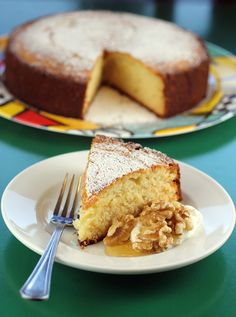 Moist and effortless to make, this Greek yogurt cake is the answer to your summer dessert worries. Greek Sweets, Greek Desserts, Summer Desserts, Greek Cake, Greek Yogurt Pancakes, Greek Yoghurt Recipes, Greek Recipes, Cake Recipes, Dessert Recipes