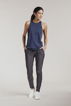 OUTDOOR VOICES RUNNING WOMAN SWEATS CHARCOAL   PIPE AND ROW