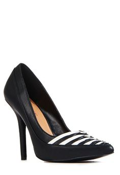 I had this shoe on my wait list, they got the shoe and are sending it to me. OMG I <3 JustFab #JustFabOnline