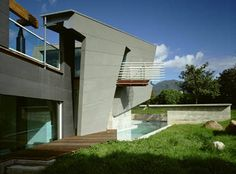 Blades Residence  1995: The modernist Blades Residence in Santa Barbara, California. Thom Mayne, architect.