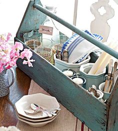 Tool Box used as caddy - 100 Ideas Flea Market Style by Donna Talley, Regional Editor and Producer for Meredith Publications - John Bessler, photographer. I have one of these old tool boxes I am going to paint up and put in our booth So cute. Wooden Tool Caddy, Wooden Tool Boxes, Wood Boxes, Diy Hacks, Diy Kitchen Storage, Kitchen Organization, Kitchen Caddy, Bathroom Storage, Old Tool Boxes