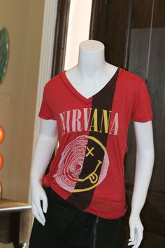 Nirvana Red Trunk Ltd. T-Shirt « Moon Feathers Boutique Store