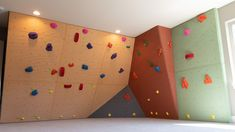 Home Climbing Wall Home Climbing Wall, Rock Climbing, Craft Room Design, Maybe One Day, Bouldering, Basement, Life Hacks, Sweet Home, Photo Wall