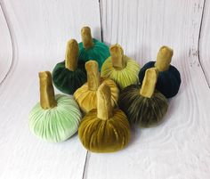 #Thanksgiving #HolidayTable #VelvetPumpkins #Green Set #HalloweenDecor