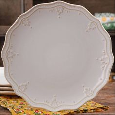 The Pioneer Woman Farmhouse Lace 10.75 inch Dinner Plate, Beige