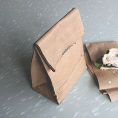 SHIP & SHAPE — Leather Lunch Bag