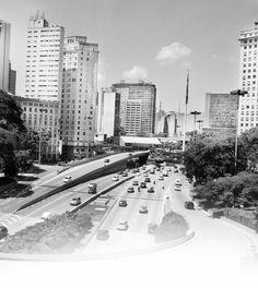 O site do candidato a vereador Nabil Bonduki (PT - São Paulo) faz jus ao fato dele ser arquiteto. Um site limpo, eficiente e bem desenhado. Destaque para a animação que trata da biografia do candidato. Muito bacana.