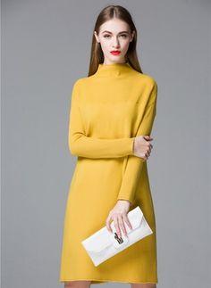 Повседневное платье из полиэстра длины выше колена цвета сплошного с длинными рукавами