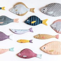Love these Don Fisher creations! - Love these Don Fisher creations! Diy And Crafts, Kids Crafts, Arts And Crafts, Don Fisher, Sewing Crafts, Sewing Projects, Fabric Fish, Iridescent Fabric, Tilda Toy