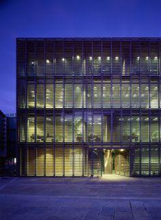 VIIVA arkkitehtuuri / SIGGE ARCHITECTS - Finnish Embassy in Berlin, Germany - WINNER World Architecture Awards 2001