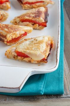 Combine red peppers, Cabot pepper jack cheese, and hot sauce to make a delicious buffalo chicken grilled cheese sandwich. Try this recipe from Cabot today!