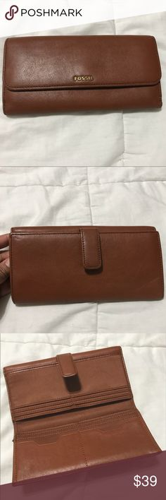 🌟Fossil Wallet🌟 Fossil wallet,very good condition. 💥💥PLEASE SEE PICTURES FOR DETAILS💥💥 Fossil Bags Wallets
