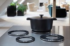 Trivets in stainless steel from Vipp. Kitchen accessories